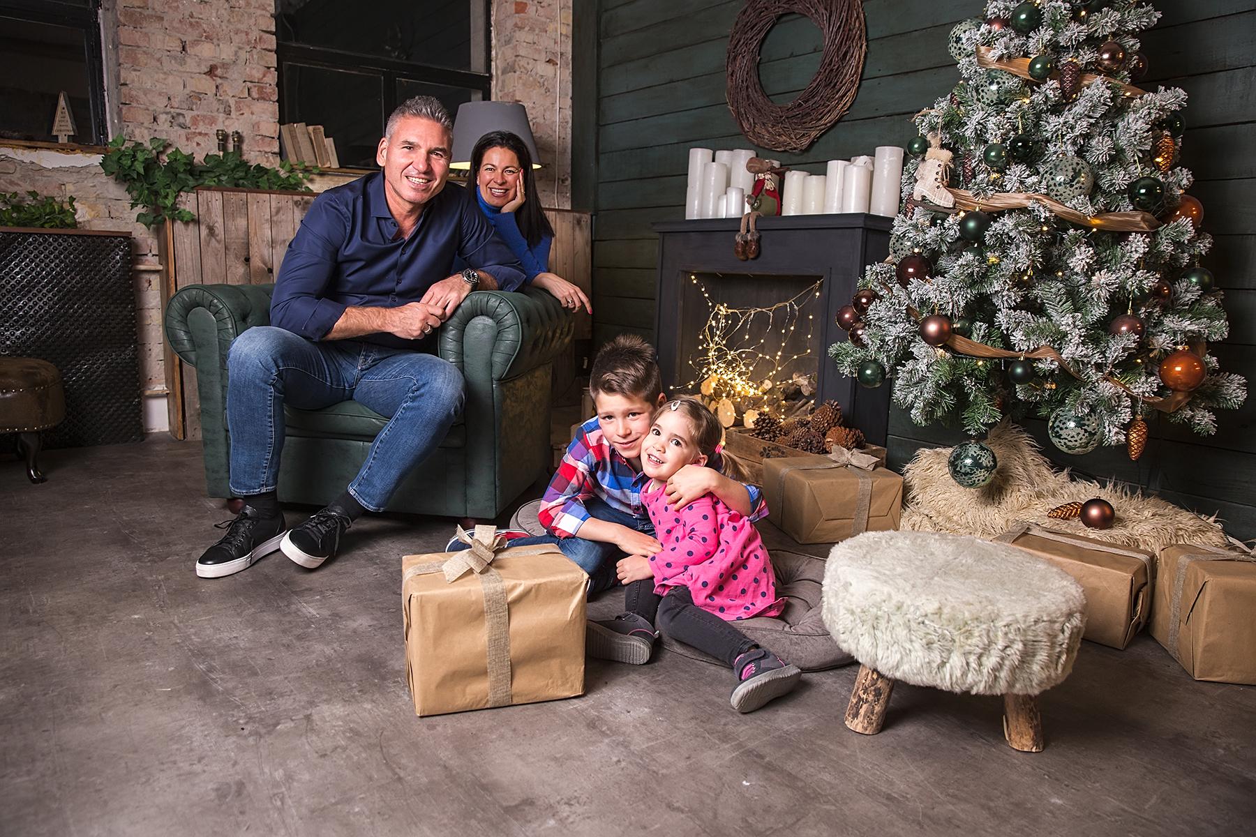 Karácsonyi családi fotózás stúdióban I. – Werk képekkel